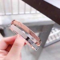 2021 Fashion Titanium Steel Love Bangle Silver Rose Gold Diamond Destornillador Adecuado para hombres y mujeres Joyería con embalaje exquisito