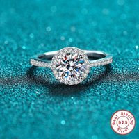 Cluster Rings Geoki Luxury 925 Sterling Silver 2 Ct Passed Diamond Test Round Perfect Cut D Color VVS1 Moissanite Engagement Ring For Women