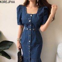 Korejpaa Femmes Robe Corée Chic Light Ripe Collier Square Collier Simanche à poitrine Poche Cowboy Split Fishtail Robes 210608