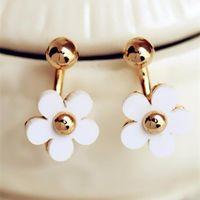 Style d'été de qualité supérieure femme perle simulée mignonne cinq feuilles et boucles d'oreilles de fleurs pour femmes