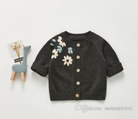 INS Bébé Girls Fleurs Broderie Cardigan Cardigan Collier rond Pull tricoté longue Outwear Enturn Toddler Enfants Princesse Princesse Tops Vêtements Q1371