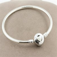 High-quality 100% 925 Sterling Silver Loving Heart Bangle Bracelet with Snap Clasp for European Style Charms and Beads