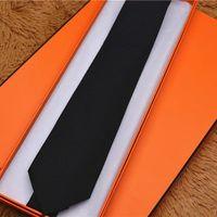 العلامات التجارية الرجال التعادل الرسمي اللباس الأعمال 100٪ الحرير العلاقات الزفاف الأزياء طباعة التعادل هدية مربع