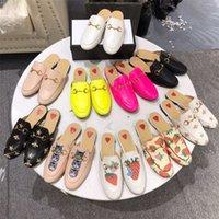 2021 Muli Designer Pantofole da donna Mocassini da donna Sandali in vera pelle Scarpe Casual Scarpe Casual Printetown Catena di metallo Shoe Pizzo Slipper in velluto in velluto