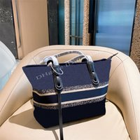 Famosos diseñadores de mujeres Tote Handbag Fashion 2021 Paquete de la láteza Paquete elegante Personalidad de lujo Bordado de lujo Hombro de bolsas compuestas bolsas Bolsos Totes