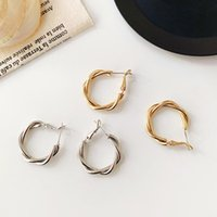 여성을위한 패션 작은 원 귀걸이 럭셔리 고품질 금속 크리 에이 티브 디자인 쥬얼리 기질 스타일 웨딩 파티 스터드