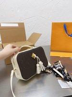 Bolsa de moda cobrar fundador quadrado pode ser adorável amor relaxando a nova câmera Baoxiu. Neri e tamanho interlayer 15 cm pacote de mercadorias de luxo high-end