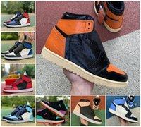 2021 Novo 1 1S Sapatos de Basquete Homens Mulheres Criado Toe Preto Game Green Game Royal Un Unc Patent Tribunal Roxo amor Fragmento Desfilado Banned Twist Sapateiro