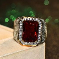 Wedding Rings Gorgeous Male Female Big Red Engagement Ring Cute Yellow Gold Jewelry Zircon Stone Vintage For Men And Women