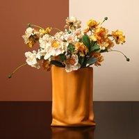 Vases Nordic Light Luxury Folding Wrinkle Vase Ceramic Flower Arrangement Planter Living Room Cabinet Pot Modern Art Decoration