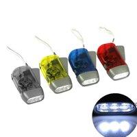 LED-Handpresse Camping Licht Fackeln Energiesparende Taschenlampe Dynamo Nachtlicht Outdoor Hand Presse Kurbel Torche dhe7284