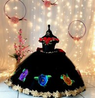 2022 Big Flowers Embroidered Mini Quinceanera Dresses Little Girls 3D Floral Applique Pealrs Pageant Dress Toddler Communion Formal Gowns