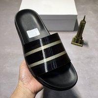 Moderno diseño para hombre zapatillas desgastes diapositivas de moda mujer mujer verano sandalias de verano zapatillas de playa zapatos modelo láser blanco negro con caja