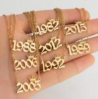 Jóias pendentes Número de nascimento personalizado Colares Crown Crown Inicial Colar Pingentes Para As Mulheres Meninas Aniversário Jóias Ano Especial D