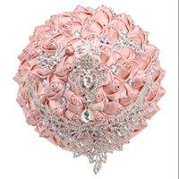 Prodotto Diamante Sposa Bridesmaid Bouquet Shell Pink Pearl Strass Satin Rosa FAI DA TE Decorazione della festa di nozze XY012 Fiori decorativi Wrea