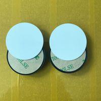 20pcs Sublimazione Titolare del telefono cellulare del cerchio con la scanalatura Inserto di sublimazione in alluminio in bianco per il supporto personalizzato del supporto del telefono della presa su misura