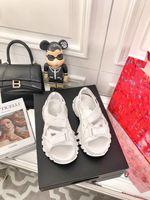 Sandales Femmes Sandales Rock Couleur Solid Solidable Help Aide DAD Chaussures Microfibre Plate-forme Augmentation de la tendance des célébrités en ligne rétro, y compris des boîtes et des sacs