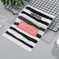Hot New Fashion Wholesale 100pcs lot 20*25cm Black&white Stripe Shopping Gift Packaging Bags With THANK YOU DHA5495