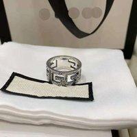 Antiguo Doble G Ring Pareja Hollow Fashion Thai Silver Light Lighty Frío Viento Regalo Fiesta de regalo Aniversario con caja