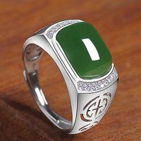 Moda Escultura Green Jade Emerald Gemstones Diamantes Anéis para Homens Branco Ouro Prata Cor Baqueta Jóias Bijoux Presentes Acessório