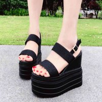 2021 new girls' high rise thick sandals with versatile buckle in summer comfortable muffin shoes 13cm 14cm for children