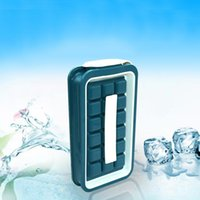 Ведра и кулеры для льда и кулеры 2021 Летняя бутылка для укладки кубиков с крышкой делает маленькие размеры чипсы кубики лотки гибкие стекируемые прочные