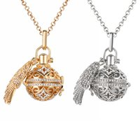 Aromatherapy Essential Oil Diffuser Necklace Gold Silver Colors Rhinestone Locket Perfume Pendant Necklaces for Women Fashion Jewelry