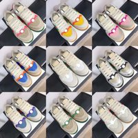 100% cuir design de luxe casuissant chaussure classique petite chaussures blanches de chaussures de baskets go avec des tailles d'hommes et de femmes à lace-up plat 35-45