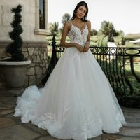 Spaghetti Neck Lace Ball Gown Wedding Dresses with Flower Appliques Court Train Backless Tulle Plus Size Bridal Gowns