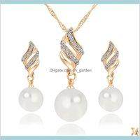 Set Set di gioielli da sposa di lusso Simulato Collana perla Strass Strass Chamrs Orecchini Set di gioielli a spirale Set per lady girl girl choker consegna