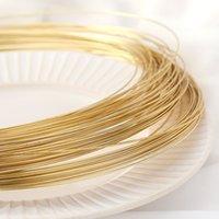手作りビーズ線の巻き取りの帽子の付属品を作るDIYジュエリーのための14Kゴールドメッキ1M銅線