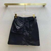 Bambini da donna di moda Gonne con Bgas Budge Zippers per Lady Belts Design pantaloni corti Pantaloni flat Slim Style Belt Belt Gonna