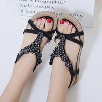 سوبر سوداء سوبرا فوميا صنادل بوهيميا للأحذية المسطحة Sandalia الأنثوية الوردي الأسود زائد الحجم