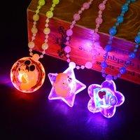 빛나는 어린이 목걸이 LED 플래시 아크릴 비즈 펜던트 장난감 작은 선물