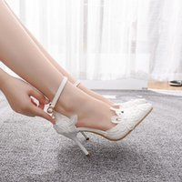 Dress Shoes Transparent female queen sandals, wedding shoes, summer, elegant, bow-tied, white flower, toe-leaked cross, thick heels 8J6F