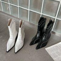 Le nouveau cylindre pointu féminin des bottes de cow-boy en épaisseur britannique avec une chaussure à talons hauts Knight Knight Halghle Halghle Grossiste de 35 à 39
