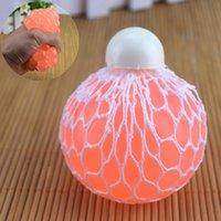 포도 공이 나쁜 환기구를 꼬집어 찌르는 사람의 끈적 끈적한 압력 장난감 재미있는 창조적 인 짜기 물 폴로 도매