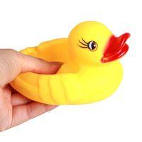 4 teile / satz Squeeze Sound Quietschender Pool Baby Spielzeug Wasser Schwimmende Kinder Wasser Spielzeug Gelb Gummi Ente Ducky Baby Bad Spielzeug für Kinder