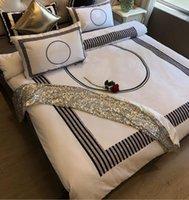 مجموعات القطن الفراش 4 قطع fashiion مصمم ملون إلكتروني قطاع الطباعة أغطية السرير وسادة حالة ورقة شقة الكبار لينة الملكة حجم المعزي غطاء