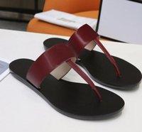 Дизайнерские мужчины пляжные сандалии летние мода женщины флип флопы кожаные женские тапочки металлические туфли двойные забивания саболы скользиты с большим размером 35-45