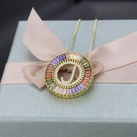 Nova Chegada Cor de Ouro Micro Pave Rainbow CZ Cúbica Zircônia A-Z Iniciais Carta Pingente Colares Para As Mulheres Meninas Jóias Presentes 94 O2