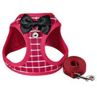 2 قطعة / الوحدة الحيوانات الأليفة المقاود يسخر مجموعات حزام الملابس مع القوس جرس جرو للقط الكلب المشي 4 الألوان المتاحة