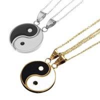 Collares colgantes 2 piezas / set de acero inoxidable Yin Yang Puzzle Piece Pieza Collar de cumpleaños Regalos Jewlery para Pareja o Amigos