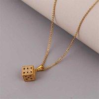Haute Qualité CZ Cubic Zirconia Cupper Métal 3D Stéréo DICE Pendentifs Colliers pour femmes en acier inoxydable Chaîne Gold Cadeau G0913