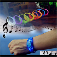 Neuheit Artikel Sile Sound Control Armband LED-Handgelenke Licht up Bangle Armband Party Bar Cheer Toy Outdoor Gadgets QFO60 WDUF9