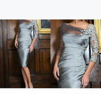 Plus Size Grey Mother Off Bride Dresses 2019 Sheer Neck Applique Open Back Vintage 3 4 Long Sleeves Women Formal Evening Gowns