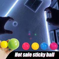 Chirstmas çocuk oyuncak stres kabartma yapışkan top tavan topları duvara sopa ve düşmek yavaş yavaş squishy kızdırma oyuncaklar hediyeler dekompresyon oyuncak