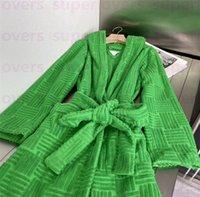 Robe de coton de luxe Sleepwear Womens Automne Hiver Hiver Chaud Robe De Robe Jacquard Design V Cou Bathrobe Nouveau Arrivé Robe de bain Vert Trendy