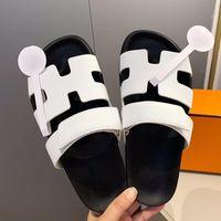 Kadın Tasarımcılar Düz Slaytlar Terlik Sandalet Köpük Koşucu Platformu Hakiki Deri Ayakkabı Sandalet Beach Yenilik Scuffs Ayakkabı Mules Bayan Terlik