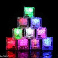 Décoration de Noël LED Gadget Aoto Couleurs Mini Romantique Lumineuse Artificielle Glace Cube Flash Fête de mariage